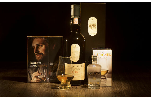 Lagavulin 16 Year Old Whisky Hamper
