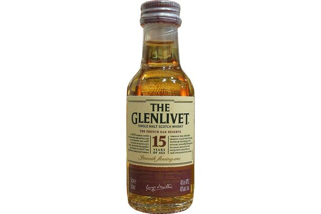 Glenlivet 15 Year Old French Oak Scotch Whisky Miniature (5cl)